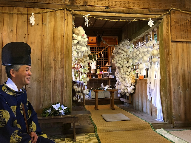 おっぱい祭りで有名になった潮神社
