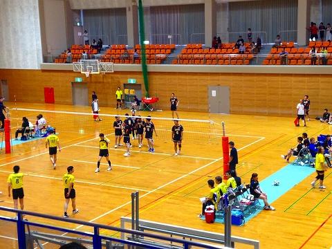 球磨郡民体育祭2015 湯前町バレーチーム(審判中)