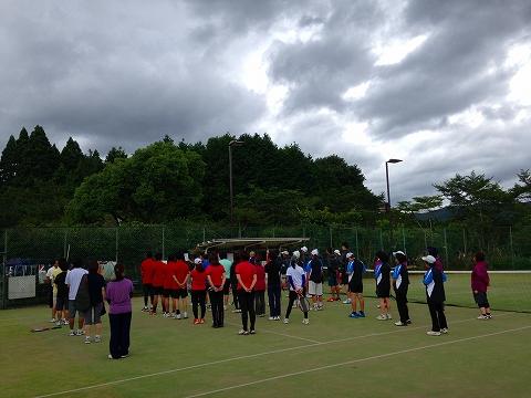 球磨郡民体育祭2015 湯前町硬式テニスチーム(一番左)